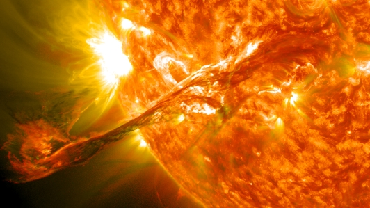 Resultado de imagem para imagens sobre explosões solares